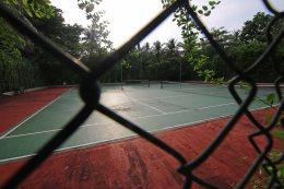 Tennisplatz auf Meedhupparu. Foto: Oliver Heider
