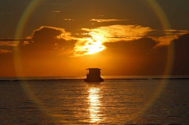 Sonnenuntergang vor Meedhupparu. Foto: Oliver Heider