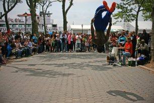 Straßen-Akrobaten im Financial District. Foto: Oliver Heider