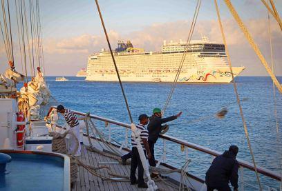 Norwegian Epic erreicht Grand Cayman. Foto: Oliver Heider