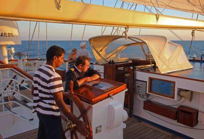 Segeln im karibischen Meer mit der Star Flyer. Foto: Oliver Heider