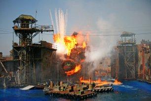 """Explosion in """"Waterworld"""". Foto: Oliver Heider"""