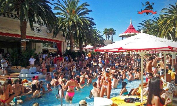 lasvegas-encore-beach-club-2