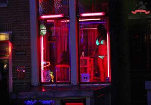 niederlande-amsterdam-rotlichtviertel-schaufenster