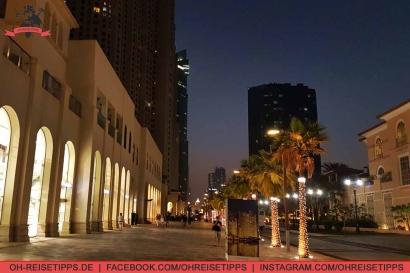 """""""The Walk"""" direkt an der Jumeirah Beach Residence in Dubai. Foto: Oliver Heider"""