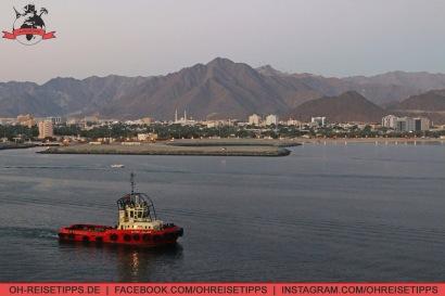Der Hafen von Khor Fakkan, einer Stadt, die offiziell zum Emirat Sharjah gehört. Foto: Oliver Heider